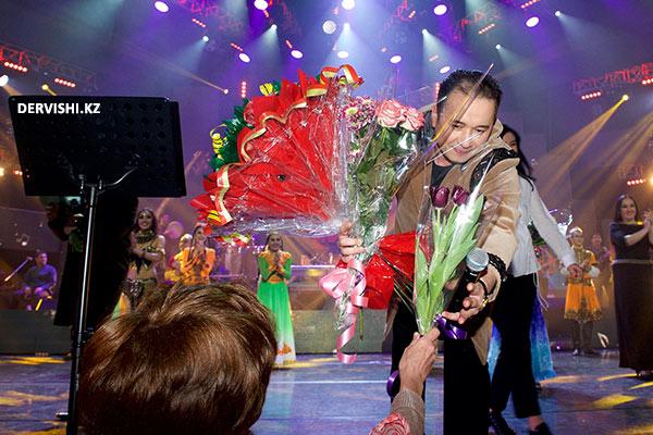 Телеканал «Тәңритағ» о концерте группы Дервиши